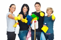 Using Rubber Gloves In The Right Way When Cleaning A Home